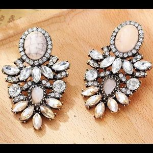 Jewelry - NWOT statement earrings